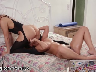 Incredible female orgasm clips