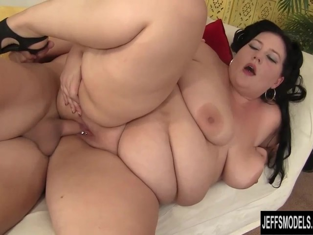 Amateur video sharing wife